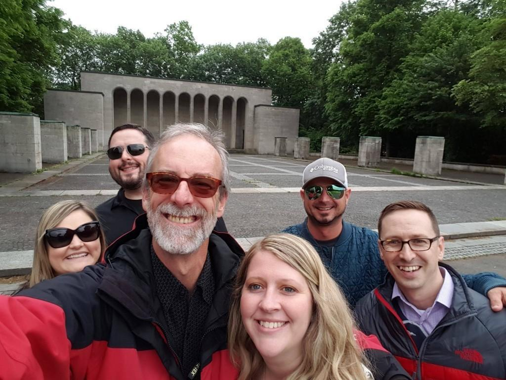 Nuremberg Tours in English with Happy Tour Customers at Hall of Honor